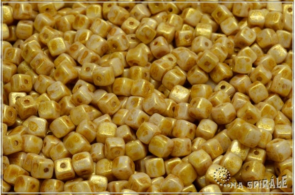 Cube beads - kostičky 4 mm, Chalk Herbs&Spices Curry, 50 ks