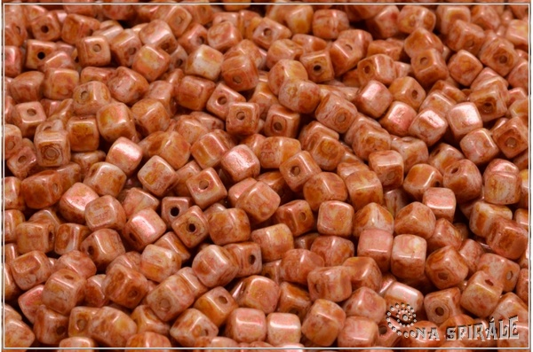 Cube beads - kostičky 4 mm, Chalk Herbs&Spices Cinamon, 50 ks
